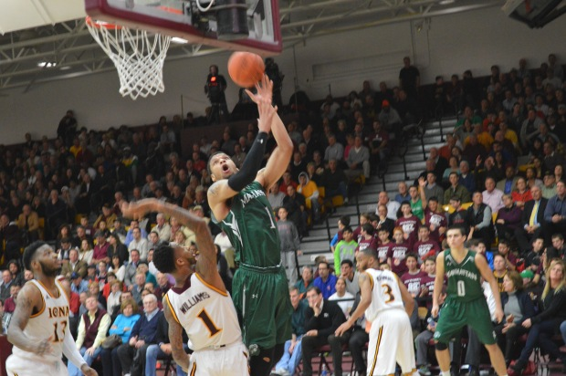 Ashton Pankey scored 15 consecutive points in the last four minutes of the game, but it was not enough to propel the Jaspers. Photo by Daniel Ynfante.