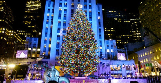 the 2016 rockefeller center christmas tree is officially lit at rockefeller plaza just make sure youre prepared for the mass of crowds that are sure to be - Things To Do In Nyc During Christmas